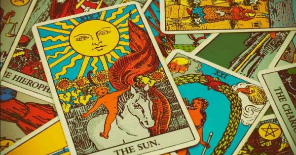 Κάρτες ΤΑΡΩ – Το Καλοκαίρι στην τελική του ευθεία