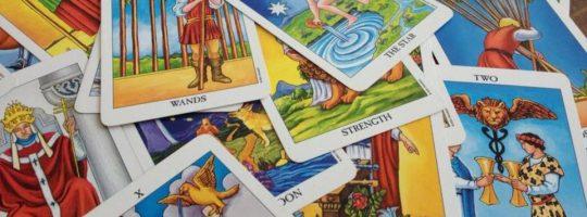 Οι κάρτες ΤΑΡΩ προβλέπουν τα άμεσα μελλούμενα!