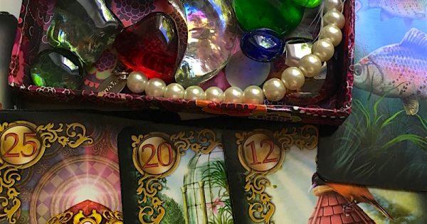 Μαντικές κάρτες Ανατολής FATMA – Καλύτερα πεπραγμένα παρά απωθημένα … η εποχή των τρίτων αλλά και των μυστικών θα λήξει οριστικά