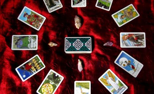 Mαντική τράπουλα PASSAR – Οι κύκλοι το παρελθόντος ξανα-ανοίγουν